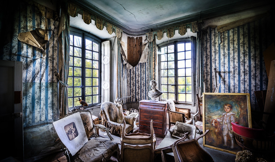 Macabre room chateau paris