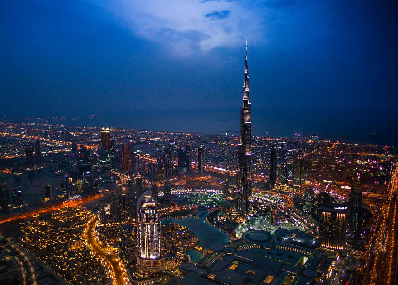 Flying over Dubai and the Burj Khalifa