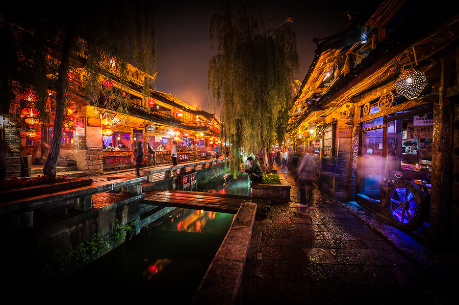 Dark and Light in Lijiang