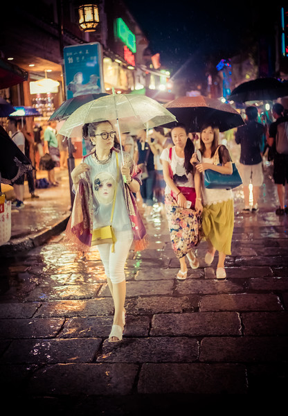 A Rainy Photowalk in Yangshuo