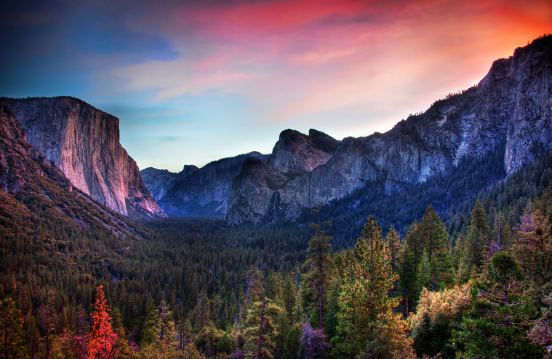 """<h2>The Yosemite Valley</h2> This was my first trip to Yosemite ever, so I was pretty excited.  I've been to Yellowstone about a dozen times, but this has always been a blank spot for me.  It was a great trip and we had all sorts there from the Google+ PhotoWalk.<br><br>The first evening there had a nice set of pinks and some vermillion reflections that cascaded down the valley.  Subsequent days had me traveling all the way down the valley to see all the same mountains from a variety of perspectives.<br><br>- Trey Ratcliff<br><br><a href=""""http://www.stuckincustoms.com/2012/01/09/the-yosemite-valley/"""" rel=""""nofollow"""">Click here to read more at the Stuck in Customs blog.</a>"""
